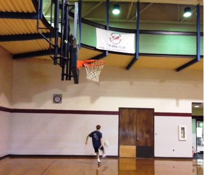Beginilah Jadinya Jika Basket Berpadu dengan Sepakbola