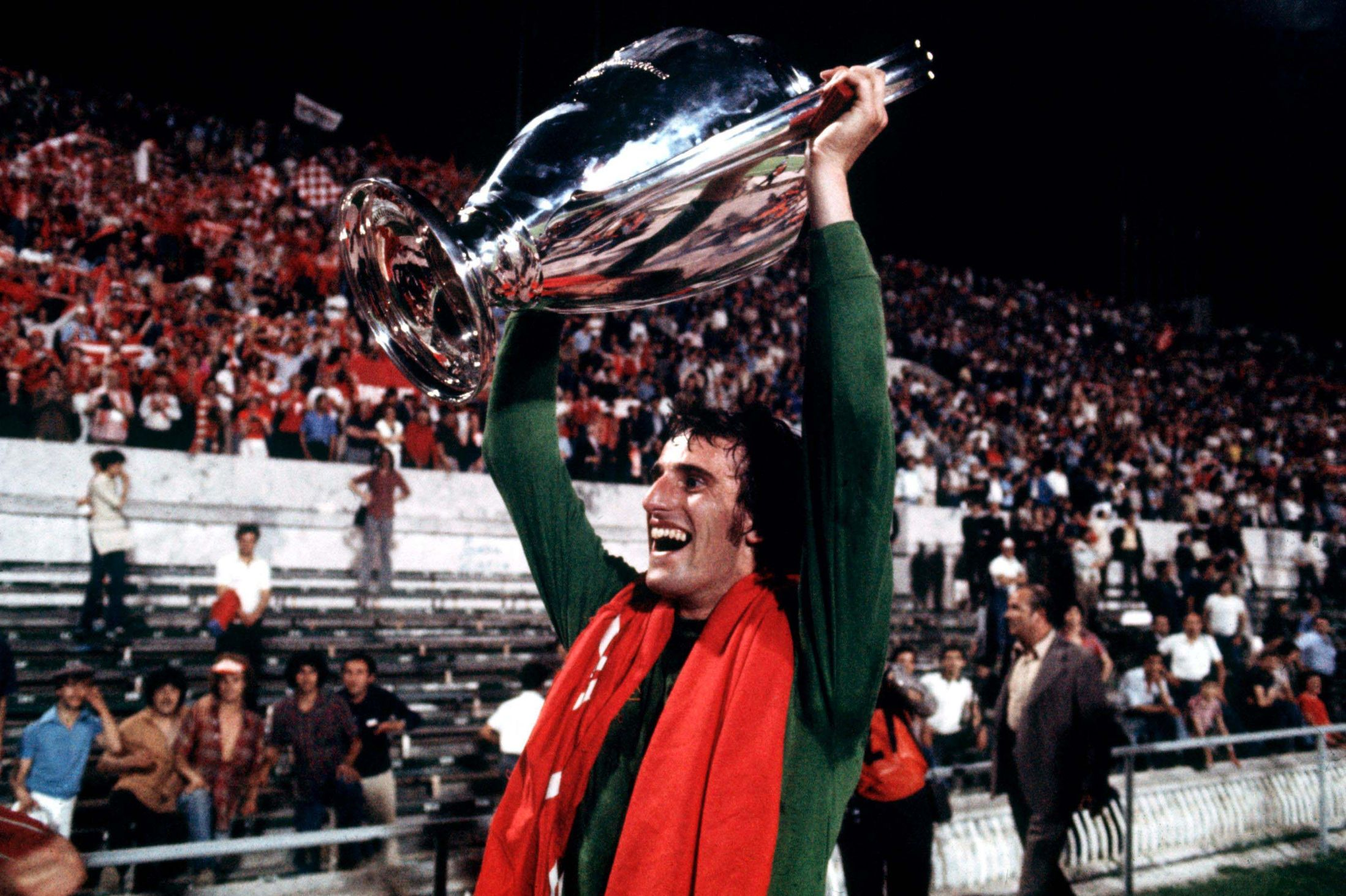 [On This Day] 1988, Ray Clemence Pensiun