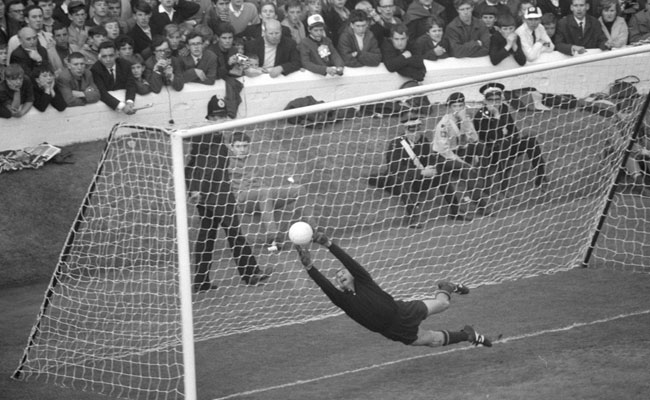 On This Day 1990, Perginya Lev Yashin