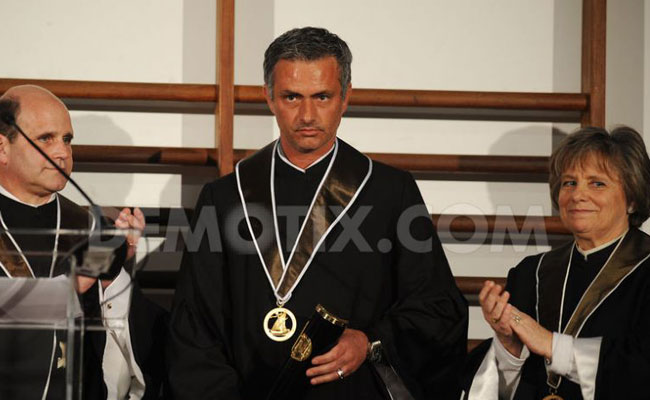 "On This Day 2009, Panggil Dia ""Doctor Special One""!"