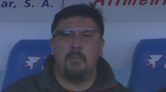 Pelatih Atletico Madrid Gunakan Google Glass Saat Pertandingan