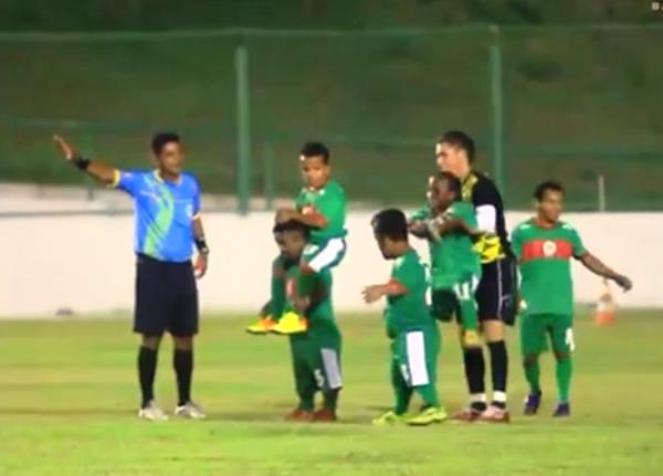 Sepakbola Juga Milik Mereka yang Bertubuh Pendek