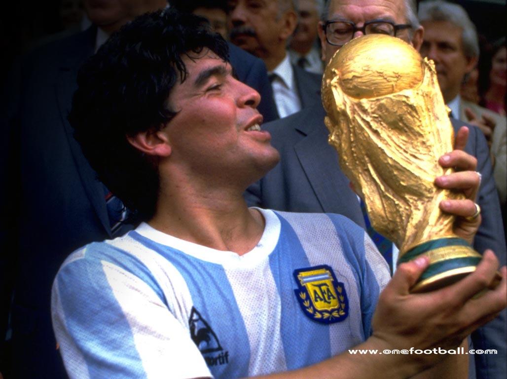 Takhayul Argentina dan Kecurangan Maradona