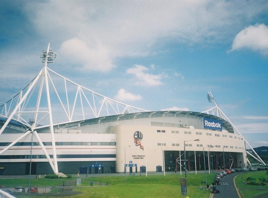 Reebok Stadium Milik Bolton akan Berubah Nama menjadi Macron Stadium