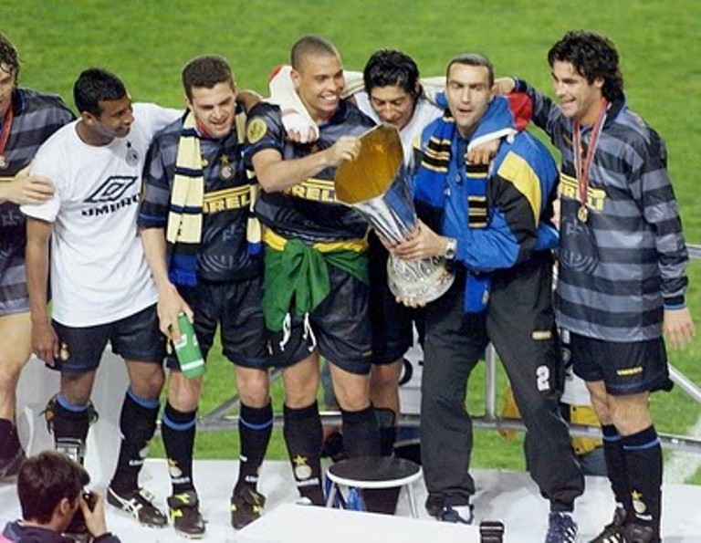 On This Day 1998, Inter Angkat Tropi UEFA (Lagi)