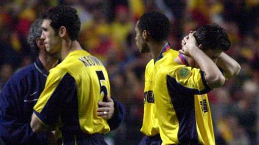 On This Day 2000, Suker dan Vieira Gagal, Trofi UEFA Arsenal Sirna