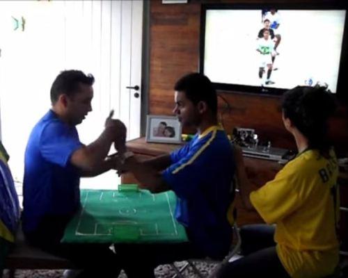 Bagaimana Seorang yang Buta dan Bisu Menonton Piala Dunia